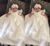 vestido de bautizo de marfil flores al por mayor-2019 Adorable Blanco / Marfil Vestido de Niña de Flores Vestido de Primera Comunión Gorra Manga Cuello Aplique Niño Christen Bautismo Ba8321