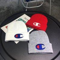 lüks tığ işi toptan satış-Tasarımcı Örgü Kapaklar Şampiyonu Erkekler Kadınlar için Marka Örme Kasketleri lüks Tığ Şapka Gençler Hip Hop Kafatası Kap Açık Kayak Şapka Kaput B9305