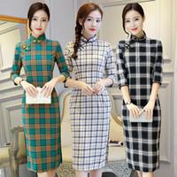 ropa de las mujeres chinas tradicionales al por mayor-Spring Plaid Cheongsams Dress Women Sexy Slim Cotton Qipao Midi Dresses vestidos Art Student Girl Traditional Chinese clothing