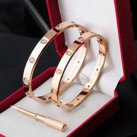 paare armbänder großhandel-Rotgold Liebesarmband 316L Edelstahl Schraube Weiß Diamant Paar Modelle Armband Armreif mit Schraubendreher kaufen 2 erhalten 1 frei