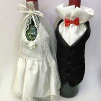 ingrosso bottiglie di vino sposo sposo-1 Set di moda fatto a mano di alta qualità bicchiere di vino bottiglia di champagne sposa e lo sposo costume calice copre decorazione della festa nuziale