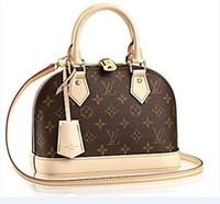 bolsa de paquetes pequeños al por mayor-Louis Vuitton bolsa de tres niveles para mujer colgada ocasional bolso cuadrado pequeño retro 2019 nuevo bolso bandolera de moda paquete # 005