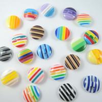 delik arka boncuk toptan satış-Mix renk 15 * 5mm 100 adet Çizgili Yuvarlak Şekil Reçine Yatay delik Düz Geri Boncuk DIY Takı Aksesuarları Karalama Defteri Dekorasyon