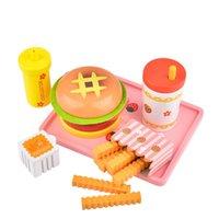 sıcak köpek bebek oyuncağı toptan satış-Bebek Oyuncakları Çilek Simülasyon Hamburger Patates Kızartması Ahşap Oyuncaklar Çocuklar için Sıcak Köpek Set Kicthen Gıda Oyuncaklar Eğitici Hediye