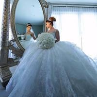 vestido de novia de encaje de tul azul al por mayor-Lujo azul hielo encaje vestido de bola vestidos de novia correas espaguetis apliques tren capilla con cuentas vestidos de novia de encargo con tul
