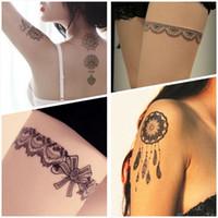 ingrosso tatuaggi neri di hennè-Autoadesivo del tatuaggio del merletto Sexy nero henné mano gioielli tatuaggio a mano pasta adesivi tatuaggio falso impermeabile body art 64 stili