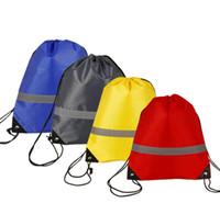 beutelanzeige großhandel-35 * 43 cm 500 stücke reflektierende streifen sichere kordelzug 210d polyester bundle tasche student training werbung rucksack unternehmen geben geschenk