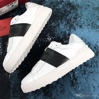 yürüyüş ayakkabıları kadın toptan satış-Valentino Garavani Valentinos Hakiki Deri Metal Spike Lady Konfor Rahat Elbise Ayakkabı Spor Sneaker Rahat Deri Ayakkabı Kişilik Bayan Yürüyüş Trail Yürüyüş