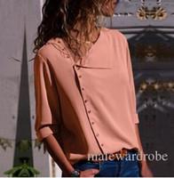 heiße blusenentwürfe großhandel-Stilvolle Mode Unregelmäßige Hemden Frauen Frühling Herbst Neue Heiße Knöpfe Design Drehen Unten Kragen Blusen Tops T