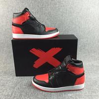 sapatas superiores de couro preto tênis venda por atacado-Sapatos de basquete 1 s chicago balanças preto vermelho branco dos homens de couro superior sports sneakers novos sapatos de designer tamanho 40-46