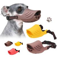 mascara de perro que ladra al por mayor-Respirable Lindo Perro de Pato Bozal de Silicona Anti-mordida Perro Bozales Detener Corteza Mordida Boca Máscara Ajustable para perros pequeños