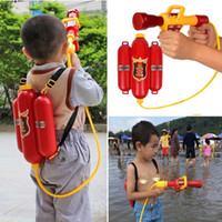 ingrosso vecchie pistole giocattolo-3 Water Red Gun anni Water Pull-type Gun Outdoor Bambini Fire old Backpack 0 5kg Fire backpack Pistola ad acqua set completo di giocattoli