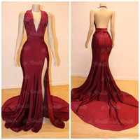 ingrosso ragazza nera divisa-Sexy Sirena Borgogna Prom Dresses 2019 Halter Neck aperto indietro Split abiti da sera formale Bead Lace Black Girls Prom Party Dress