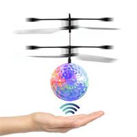 ufo motor toptan satış-Çocuklar Noel Hediyeler için Çocuk UFO Oyuncak uçan Uçan top Oyuncaklar RC Uçağı Helikopter renkli LED Uçan Sihirli Topu kızılötesi İndüksiyon
