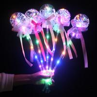 vente de bâton magique achat en gros de-Été vente chaude fée bâton boule de lumière amour baguette magique enfants marché de nuit place répandre explosions jouets lumineux