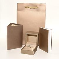cajas de anillo de joyería para el envío al por mayor-Joyería de lujo de calidad superior Conjunto de caja de embalaje original Bolsas de papel Certificado Anillo Caja de regalo Envío gratis