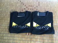 sehr computer großhandel-Italien Herren Designer T Shirts Schwarz Weiß Design Der Münze Herren Modedesigner T Shirts Top Kurzarm M-3XL