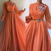 islamische blumen großhandel-Elegant orange langen Ärmeln Blumen Dubai Abendkleider 2020 A-Line Chiffon islamischen Saudi-arabische Lange Abendkleid Robe de Soiree