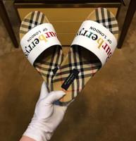 ayakkabı sandles toptan satış-KUTUSU ILE 2019 moda erkekler veya kadınlar Terlik Siyah Beyaz Slaytlar Sandles Flats Süet ayakkabı Lüks Tasarımcı Moda Hakiki Deri boyutu 38-45