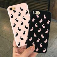 étui iphone lapin noir achat en gros de-Coque 3D Kawaii Lapin Couple Matte et dure pour iPhone X XS 10 8 7 6s 6 Plus Coque de Protection Coquine Coque Noir Rose Demi Enveloppé