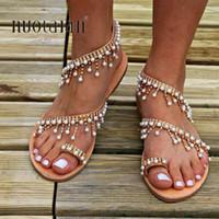 boncuk sandaletleri toptan satış-Kadın Yaz Düz Sandalet Ayakkabı Dize Boncuk Düğün Ayakkabı Kadın Sandalet Düz Inci Ayakkabı Bayan Shoes Bayanlar Terlik