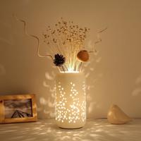 ingrosso lampade da scrivania da fiori-Nuovo Table Lamp Ceramica paralume di falsificazione di modo Romantic Flower per Camera da letto Comodino Soggiorno Desk luci E27 pulsante interruttore