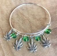 pulseira pulseira folha venda por atacado-Folha de bordo Esmeralda Charm Bracelets Expansível Fio Pulseira Pulseiras de Moda DIY Jóias Amizade Presente Bangle Bracelet Acessórios