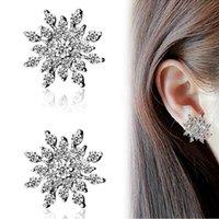 aretes de strass al por mayor-Pendientes de copo de nieve Pendientes de bisutería con copos de nieve Pendientes brillantes de cristal de diamantes de imitación brillantes