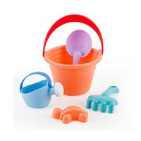 pala plástica de playa al por mayor-Baby Plastic Summer Seaside Sand Buckets Rastrillos de colores Palas Playa de playa, Juguetes Juego de 3 años