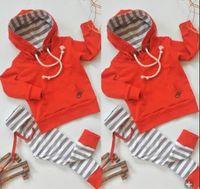 baby-outfit rot großhandel-Säuglingsbaby-Kleidung-roter Hoodie-gestreifte Hosen-2-teiliger Satz Kleinkind-Ausstattungen beiläufige Baby-Kleidungs-lange Hülsen-Kinderkleidung 0--24M