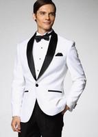 los mejores esmoquin de boda para el novio blanco. al por mayor-Custom Made White Groomsman Mens Suit Groom Tuxedos 2019 Classic Best Man Boda / Trajes de Baile (Chaqueta + Pantalones + Corbata)