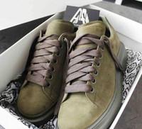siyah süet dantel toptan satış-Yeni Kutusu ile Erkekler Tasarımcı Ayakkabı% 100 Süet Deri Gri Yeşil Siyah Platformu Boy Sneakers Kadınlar Moda Dantel-up Eğitmenler Düğün Ayakkabı