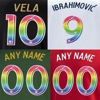 gökkuşağı futbolu toptan satış-MLS LA GALAXY baskı gökkuşağı futbol nameset VELA İbrahimoviç oyuncunun damgalama numaralandırma LAFC futbol rozetleri plastik etiket etkiledi