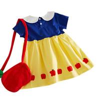 ingrosso piccola borsa bianca-Kids Girl Summer Dress Cartoon Snow White Style Abito manica corta Apple stampato Button Decoration Summer Party Dress Apple forma piccola borsa