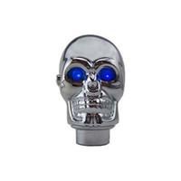 perilla de cambio de marcha calavera al por mayor-Shift cromo de plata del palillo del cráneo Perilla luces LED Gear Shift Knob palanca de cambios manual Mandos - Blue Eyes