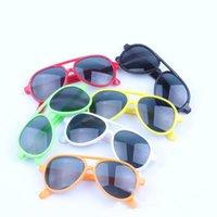 çerçeveler çocuklar toptan satış-Sıcak satmak 2019 Klasik rüzgar geçirmez güneş gözlüğü kız erkek evrensel çocuk moda güneş gözlüğü plastik oval wrap Tam Çerçeve gözlük M055