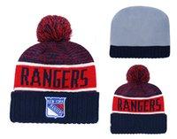 hokey boncuğu toptan satış-Yeni Varış New York Rangers Örme Kasketleri Kaliteli Kış Sıcak Kafatası Şapkalar Pom Nakış Rangers Hokey Spor Manşet Bere Kap