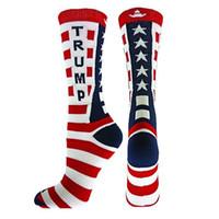 nuevas medias de diseño al por mayor-Nuevo diseño Trump calcetines de rayas calcetines con letras de algodón Hombres Mujeres Punto de costura Calcetines de tripulación Medias unisex al por mayor