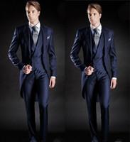 sabah takım elbise mavi düğün toptan satış-Yeni Slim Fit Sabah Stil Damat Smokin Yaka erkek Takım Elbise Lacivert Sağdıç / İyi Adam Düğün / Balo Takımları (Ceket + Pantolon + Yelek)