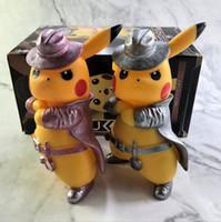 bebek pikachu oyuncakları toptan satış-2019 Yeni Film Dedektif Pikachu 17 CM sevimli kawaii pikachu model oyuncaklar bebek kız erkek doğum günü oyuncaklar