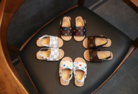 sandálias de bebê venda por atacado-Verão menina sandálias princesa sapatos de moda bebê sandálias de praia do bebê ocasional antiderrapante fundo macio criança shoes tamanho 21-30 B11
