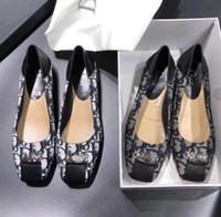 ingrosso stampare le donne piatta scarpe-OMNC spedizione gratuita di alta qualità nuovi prodotti da giardino scarpe da donna piatte con lettere poco profonde scarpe stampate baotou pantofole 34-41