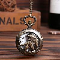 reloj diseñado chino al por mayor-Bronce Pocket Fob Relojes Chinese Zodiac Tiger Design Hollow Out Cuarzo Relojes de bolsillo Fob regalo para hombres / mujeres