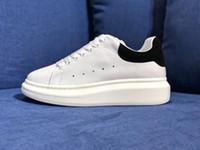 mulheres confortáveis sapatos plana venda por atacado-2019 Designer de luxo sapatos casuais de couro branco para a menina mulheres homens ouro preto vermelho moda confortável marca plana sapatos tamanho 35-44