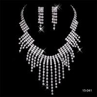 diseño de joyas collar de perlas al por mayor-Nuevo diseño elegante plateado plata perla rhinestone 15041 collar nupcial pendientes conjunto de joyas accesorios baratos para baile de graduación