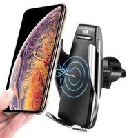 max universal ladegerät großhandel-Automatische sensor auto wireless ladegerät für iphone xs max xr x samsung s10 s9 intelligente infrarot schnelle wirless lade auto handyhalter