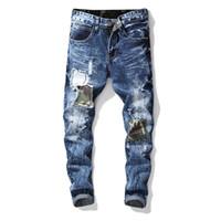 ingrosso jeans di ricamo maschile-I jeans del denim dei jeans ricoprono il distintivo jeans diritti dei jeans dei pantaloni della chiusura lampo skinny lavati maschii sottili 1pc OOA7009