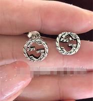 kadınlar için en iyi küpeler toptan satış-Marka Vintage Gerçek 925 Ayar Gümüş Dairesel gg Küpe Kadınlar Ve Erkekler Için En Iyi Hediye tasarımcı Lüks Takı küpe Geri