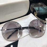 metal çerçeveler takılar toptan satış-Lüks Bayan Tasarımcı Güneş Gözlüğü 54 Büyük yuvarlak çerçeve metal Gözlük büyüleyici zarif stil ile anti-UV400 lens eğlence gözlük ca