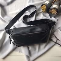 große taillenbeutel großhandel-Designer Leder Hüfttaschen Klassisches schwarzes Kalbsleder Top-Qualität 3-teilige Kartenfächer Lässige Unisex-Brusttaschen 26 cm breite, großvolumige Handytaschen